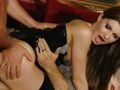 Wild Electra Angels loves a hard double penetration